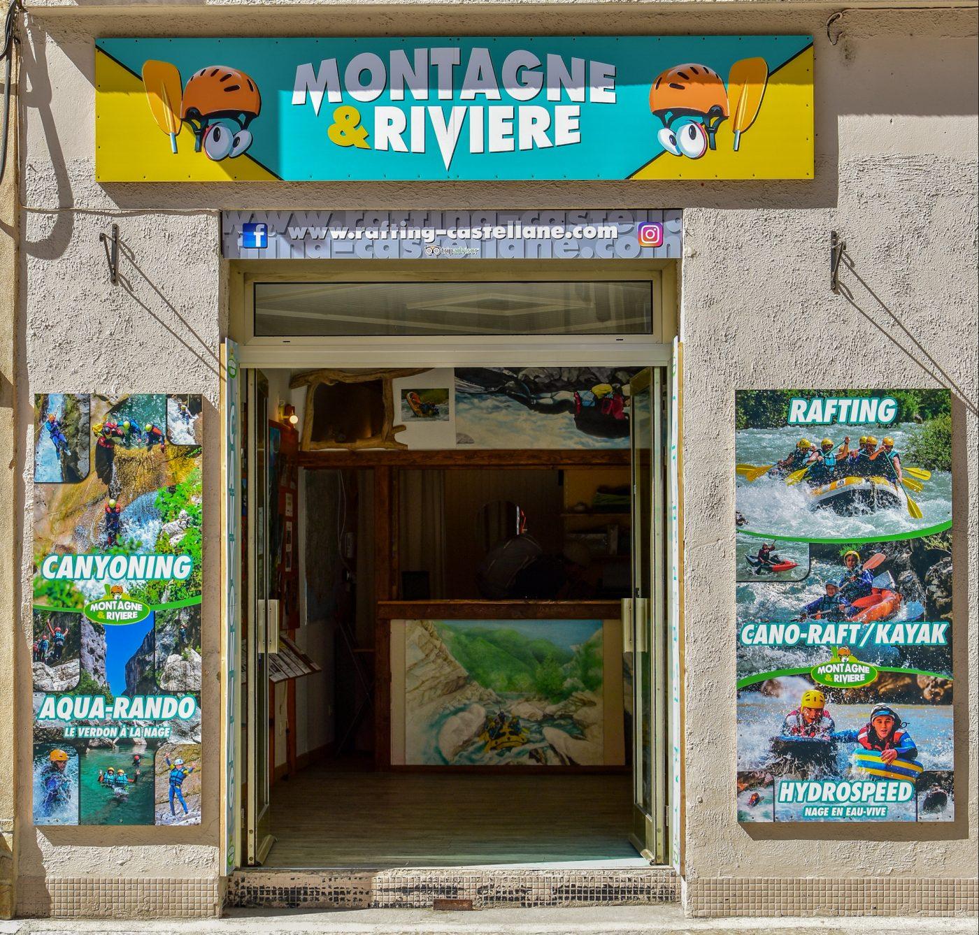 bureau accueil montagne et rivière